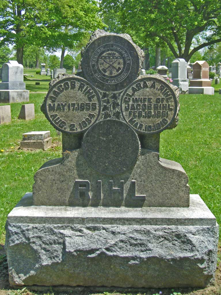 Rihl tombstone with Modern Woodmen of America logo, Forest Cemetery, Circleville, Ohio. Photo by Amy Crow, 10 May 2009; all rights reserved.